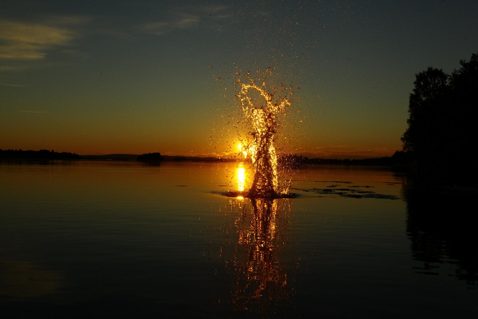 Sonnenuntergang über dem Pite Älv in Lappland