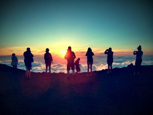 Sonnenuntergang über den Wolken - Haleakala Vulkan, Maui, HI