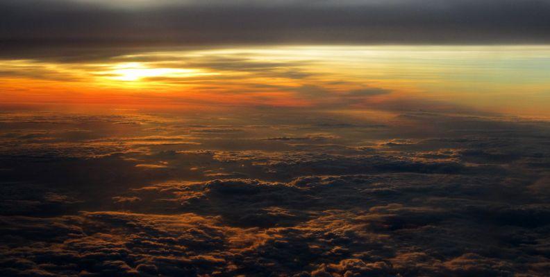 Sonnenuntergang über den Wolken (Mexiko)