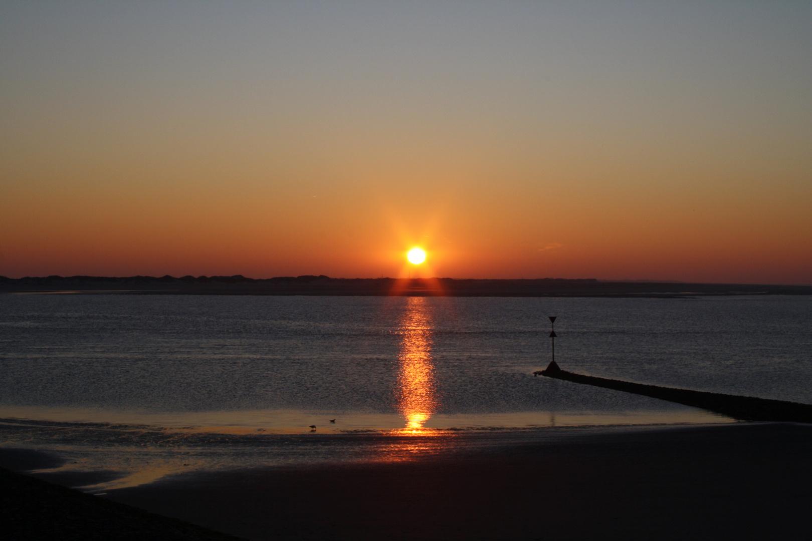 Sonnenuntergang über der Insel Norderney