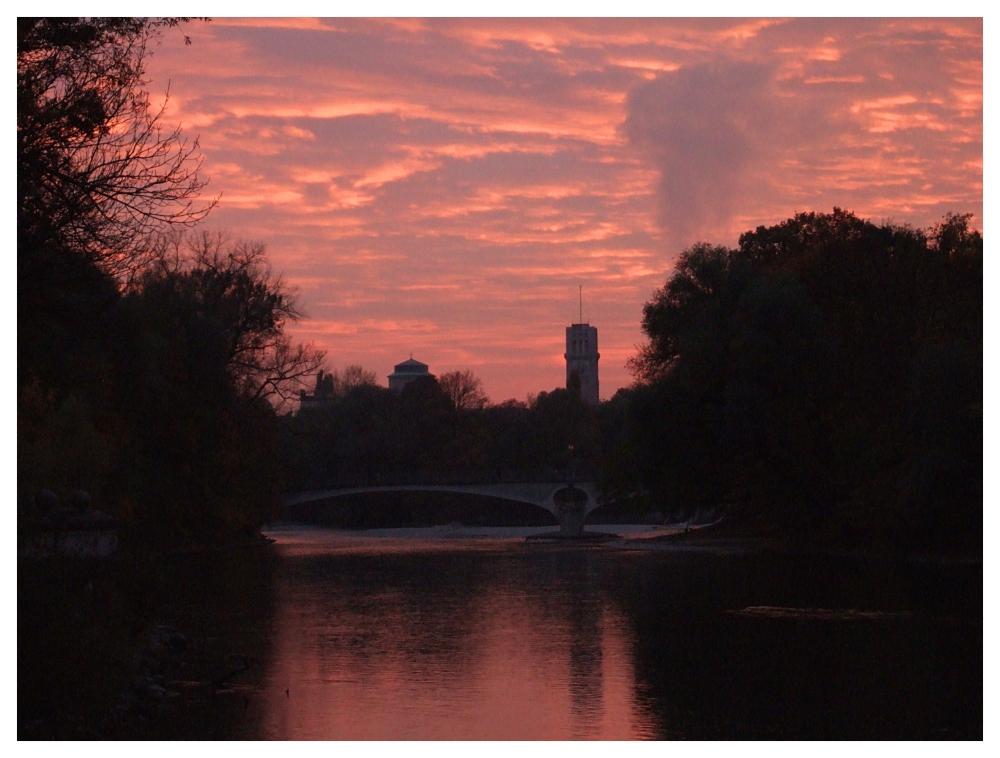 Sonnenuntergang ueber der Isar