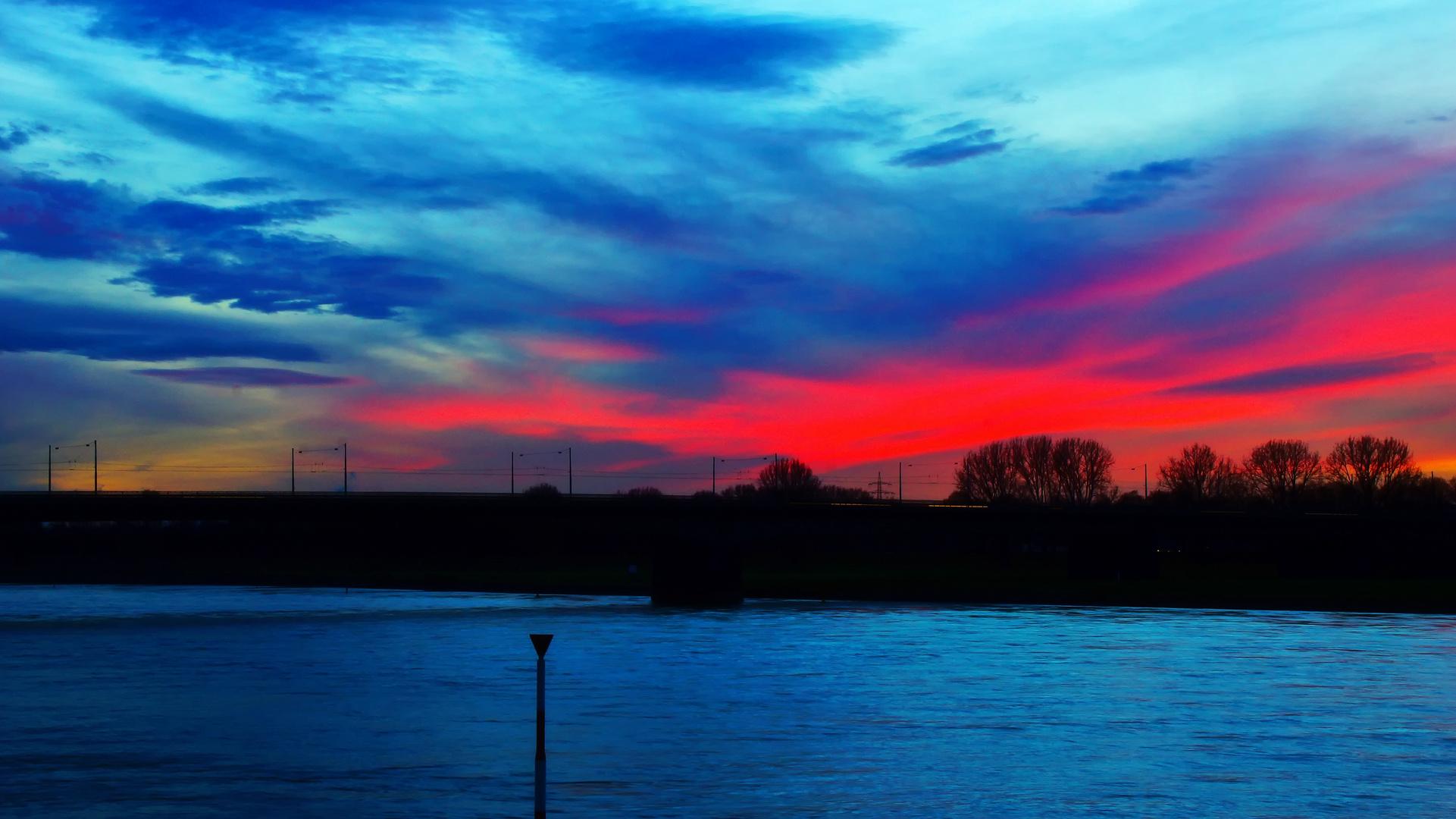 Sonnenuntergang über der Südbrücke