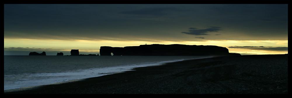 Sonnenuntergang über Dyrholaey