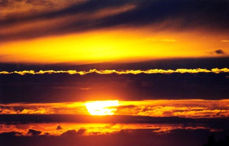 Sonnenuntergang über Königswinter am Rhein