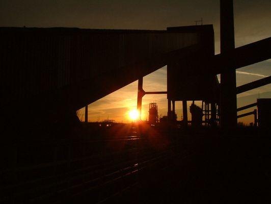 Sonnenuntergang über Kokerei Zollverein (Essen)