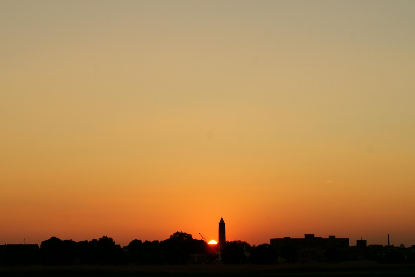 Sonnenuntergang über Krefeld-Uerdingen 1
