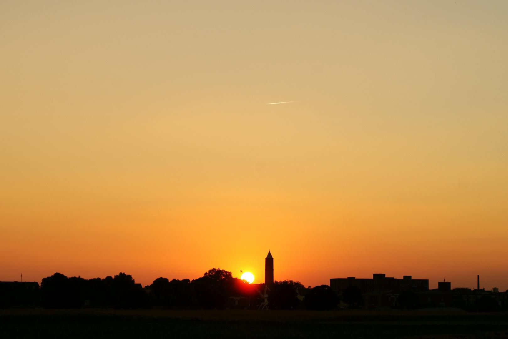 Sonnenuntergang über Krefeld-Uerdingen 2