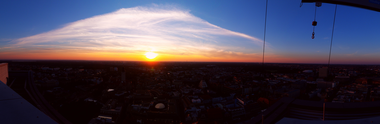 Sonnenuntergang über L.E.