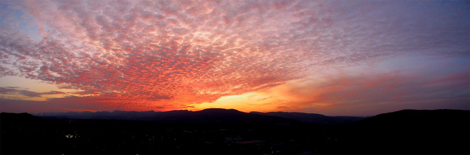 Sonnenuntergang über Lenzbug