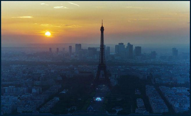 Sonnenuntergang über Paris II