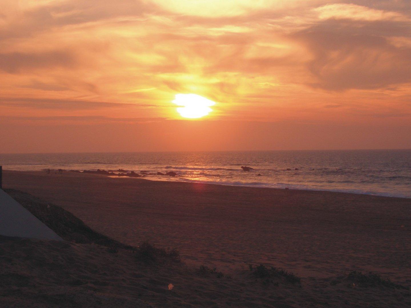 Sonnenuntergang ueber Santa Cruz (Torres Vedras)