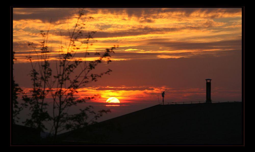 Sonnenuntergang über Siggi`s Hütte auf dem Ettelsberg...