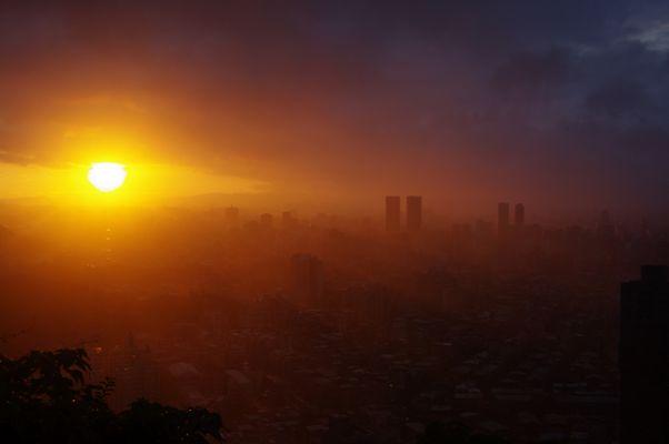 Sonnenuntergang über Taipei