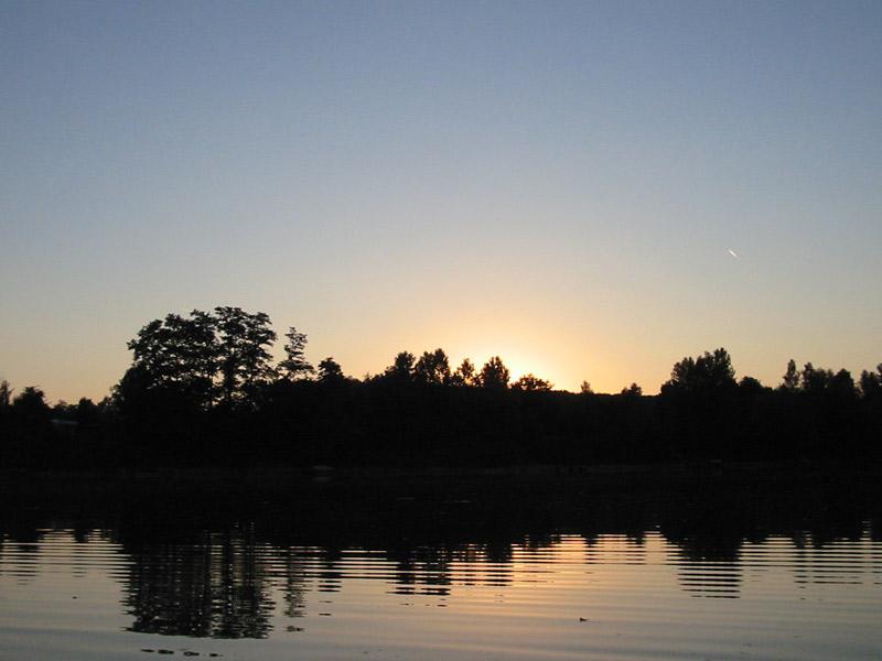 Sonnenuntergang überm Badesee....