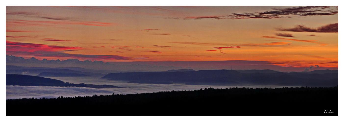 Sonnenuntergang und Nebel