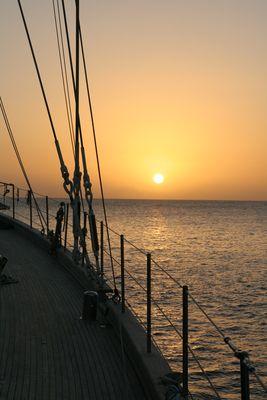 Sonnenuntergang vom Segelschiff Chronos vor Grenada