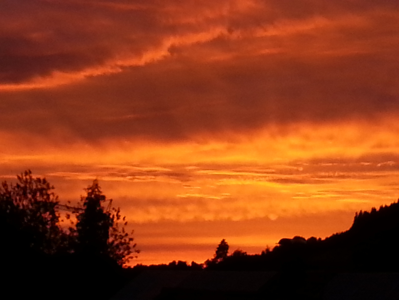 Sonnenuntergang vor der Haustüre
