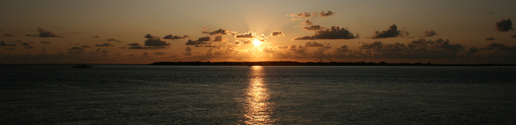 Sonnenuntergang vor der Insel Föhr 2