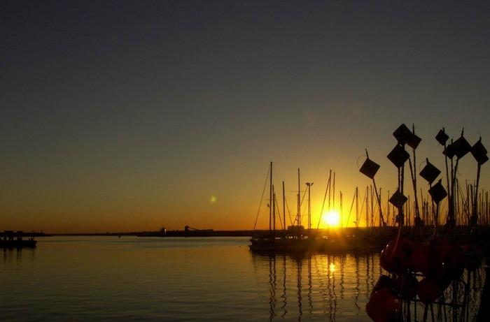 Sonneuntergang im Hafen