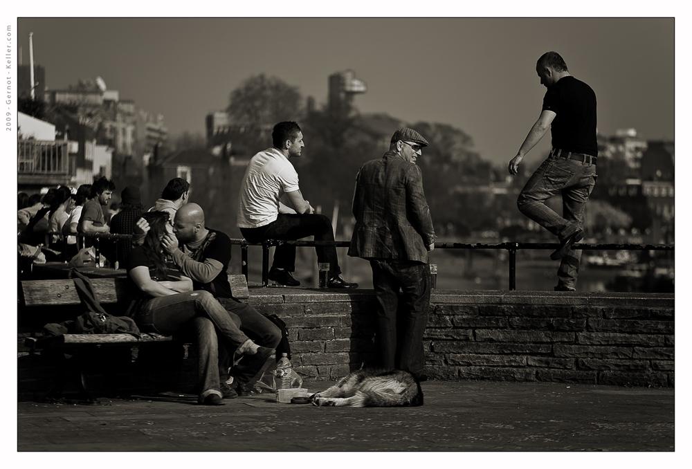 Sonntags am Ufer der Themse ...