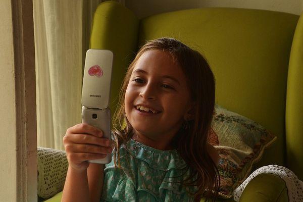 Sophia el il telefonino della Nonna.