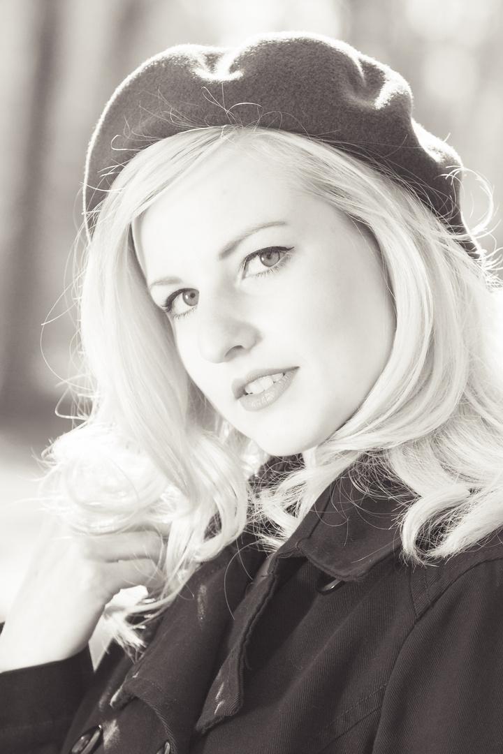 Sophie Lee Galore