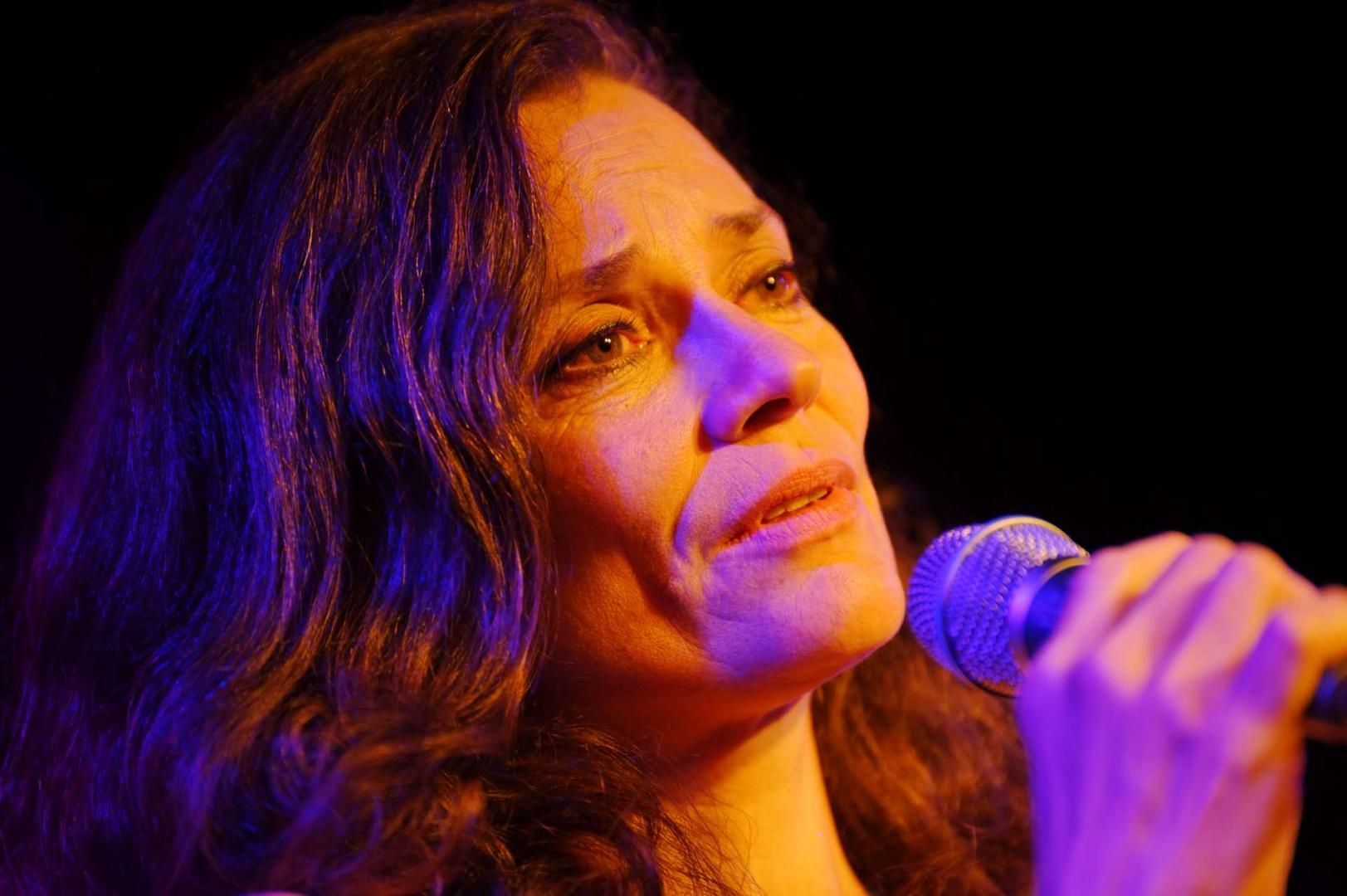 Sophie Wegener und ihre Band Zona Sul in der Unterfahrt 2013 - die Fünfte
