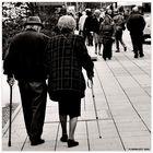 Sorreggiti al mio braccio ... camminiamo lentamente ...