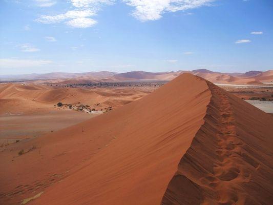 Sossusvlei - Sandpath to Nowhere