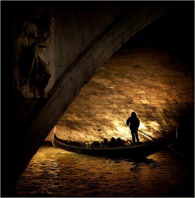 sotto il ponte dorato..........