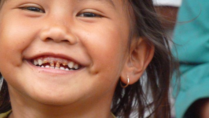 sourire d'enfant balinais