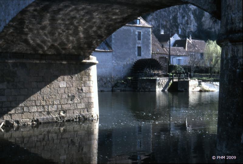 Sous le pont d'Angle sur l'Anglin