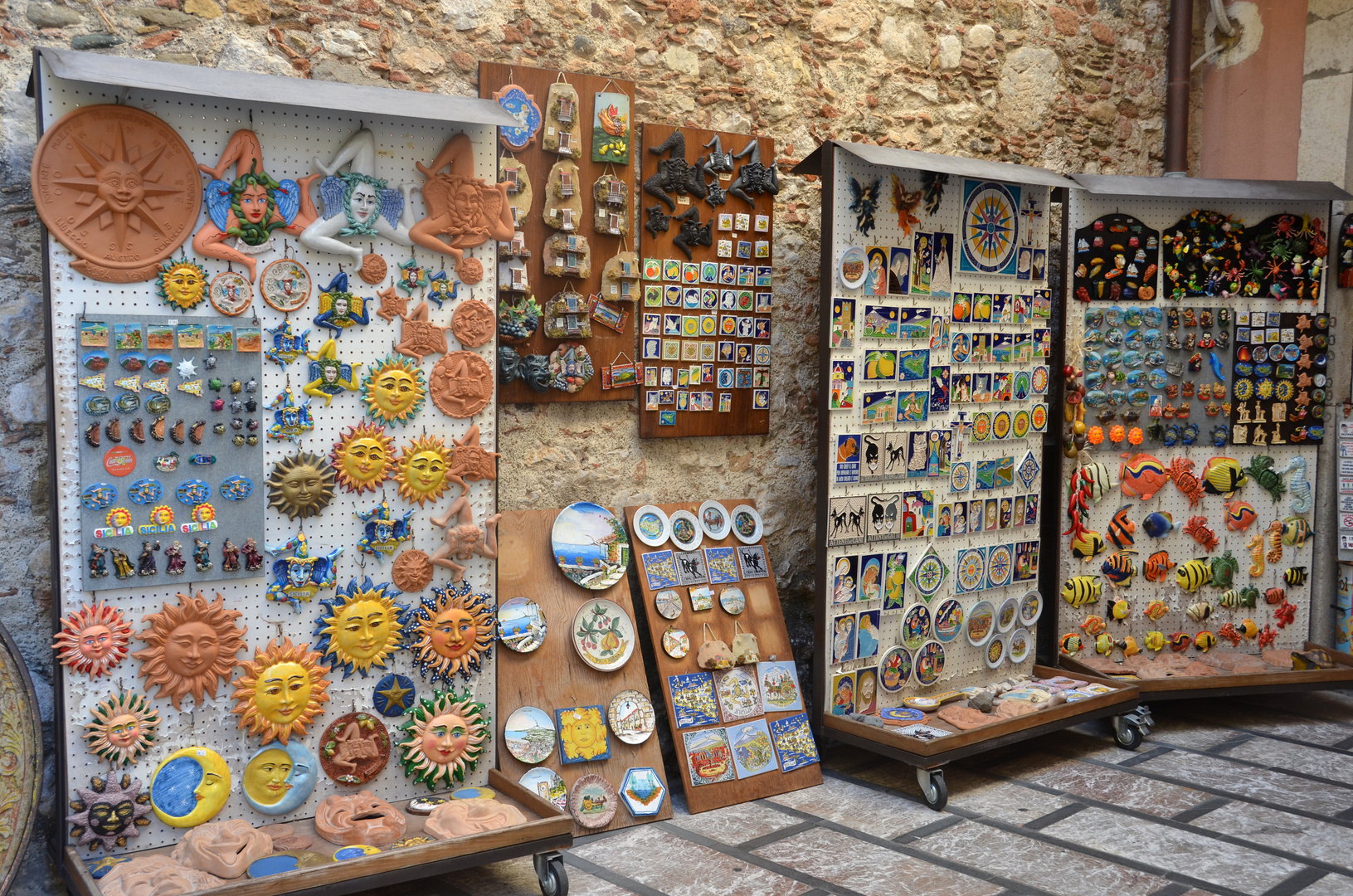 Souvenirshop in Taormina auf Sizilien