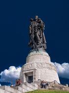Sowjetisches Ehrenmahl am Treptower Park zu Berlin
