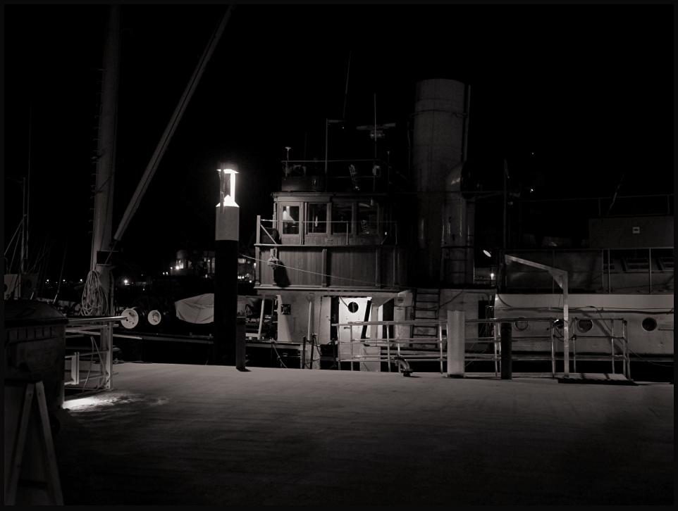 Spät abends am Hafen