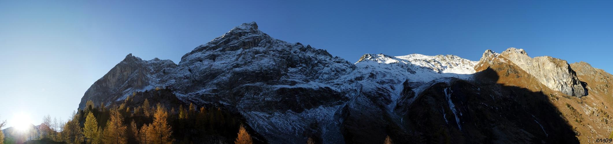 Spätherbstmorgen in den Karnischen Alpen