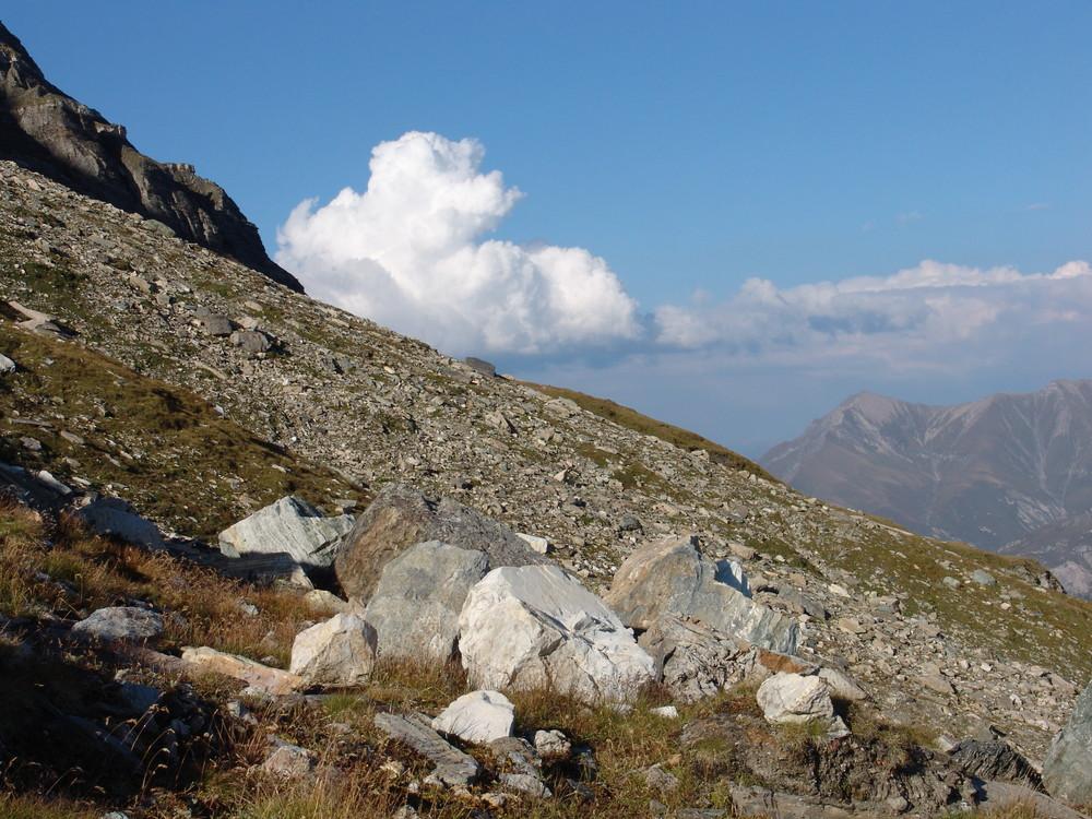 spätnachmittags oben in den Bergen