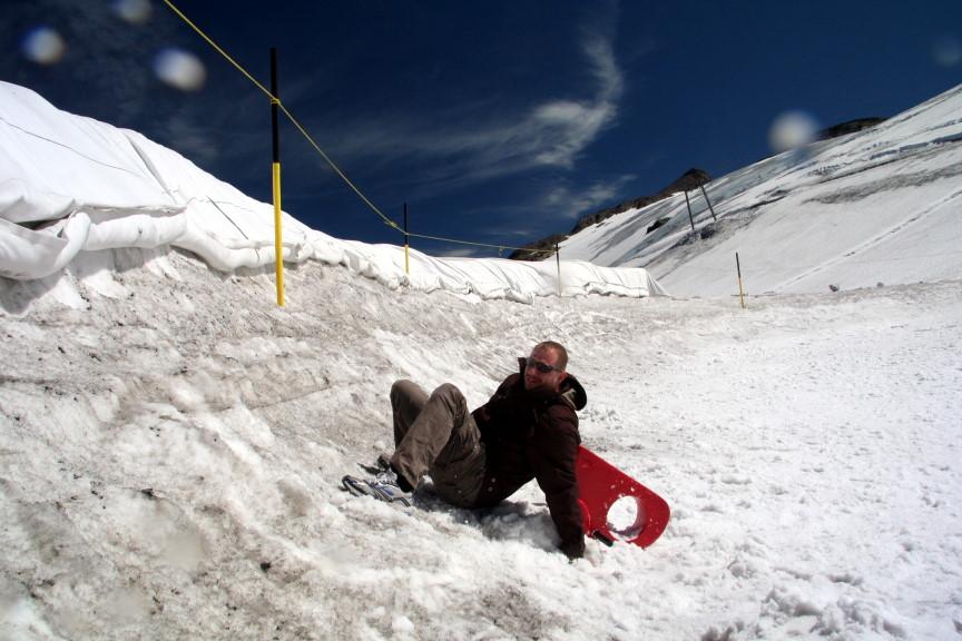 Spass im Schnee - Ende August auf dem Gletscher