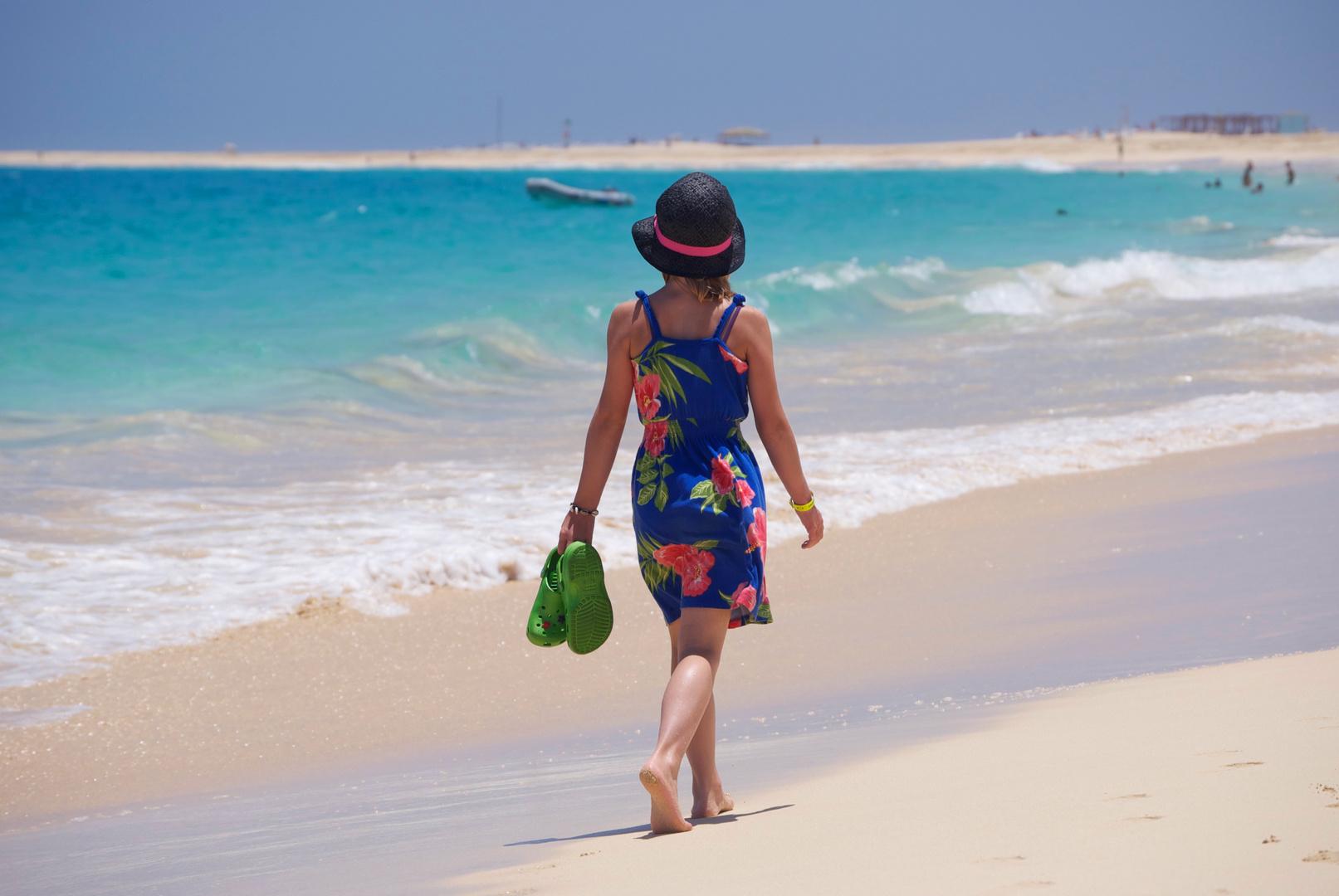 Spaziergang am Strand. Cabo Verde, 2011