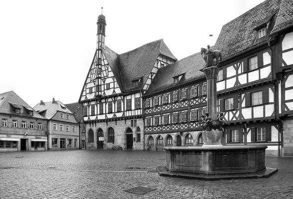 Spaziergang Forchheim - Rathaus und Kriegerbrunnen