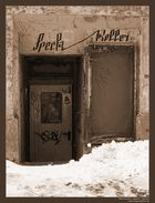 Speck-Keller im Schnee