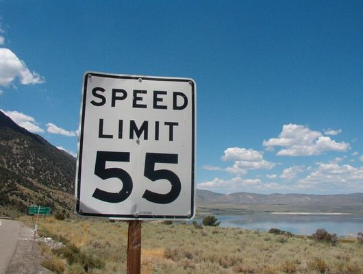 Speed Limit am Mono Lake