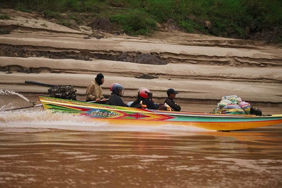 Speedbaot auf dem Mekong