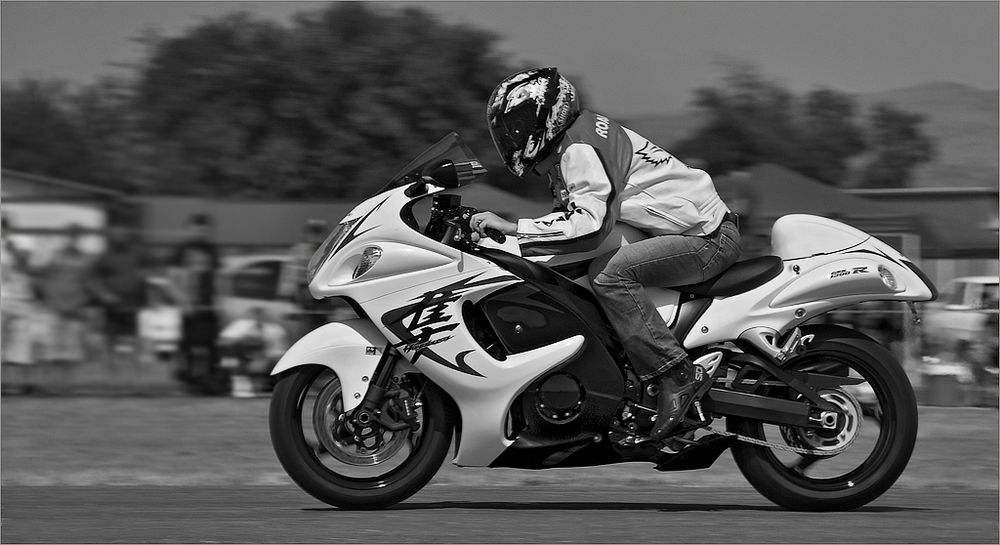 Speeding Hayabusa by Christonel