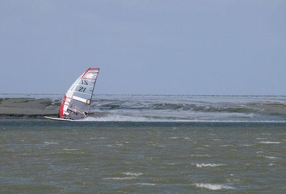 Speedsurfer im Priel