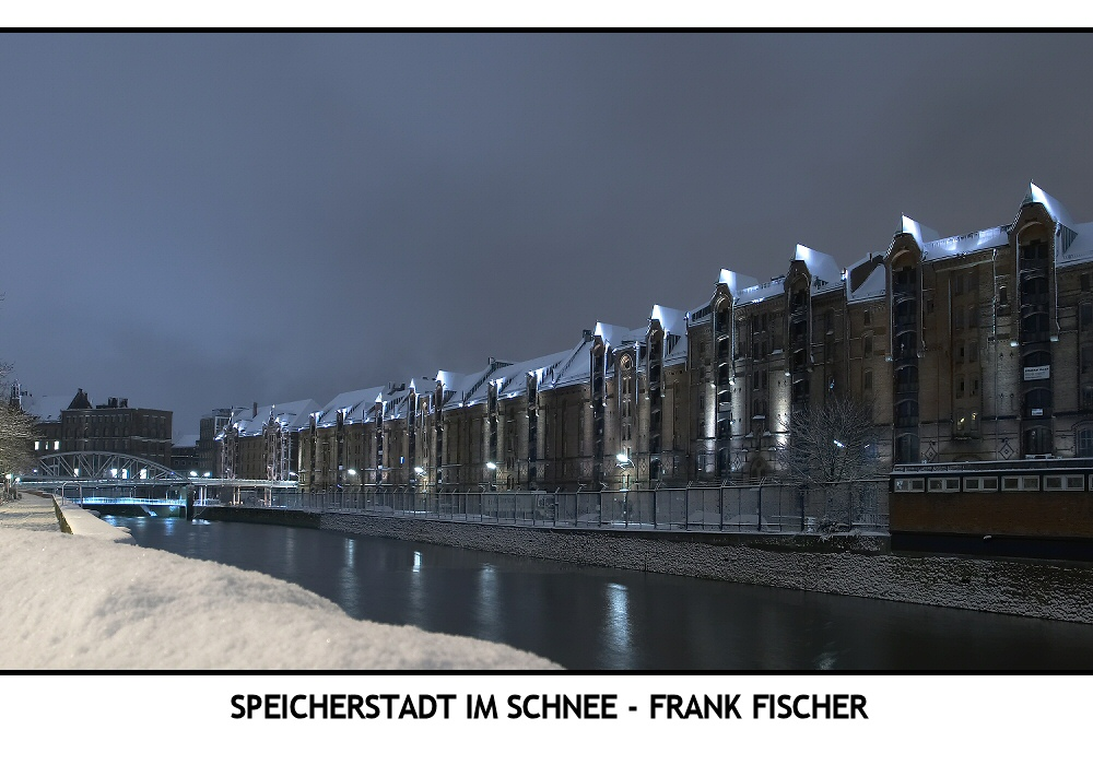 Speicherstadt im Schnee - Fröhliche Weihnachten