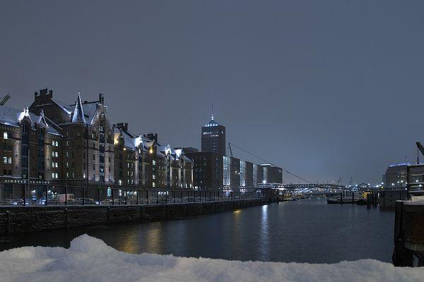 Speicherstadt im Schnee (zur Versteigerung)