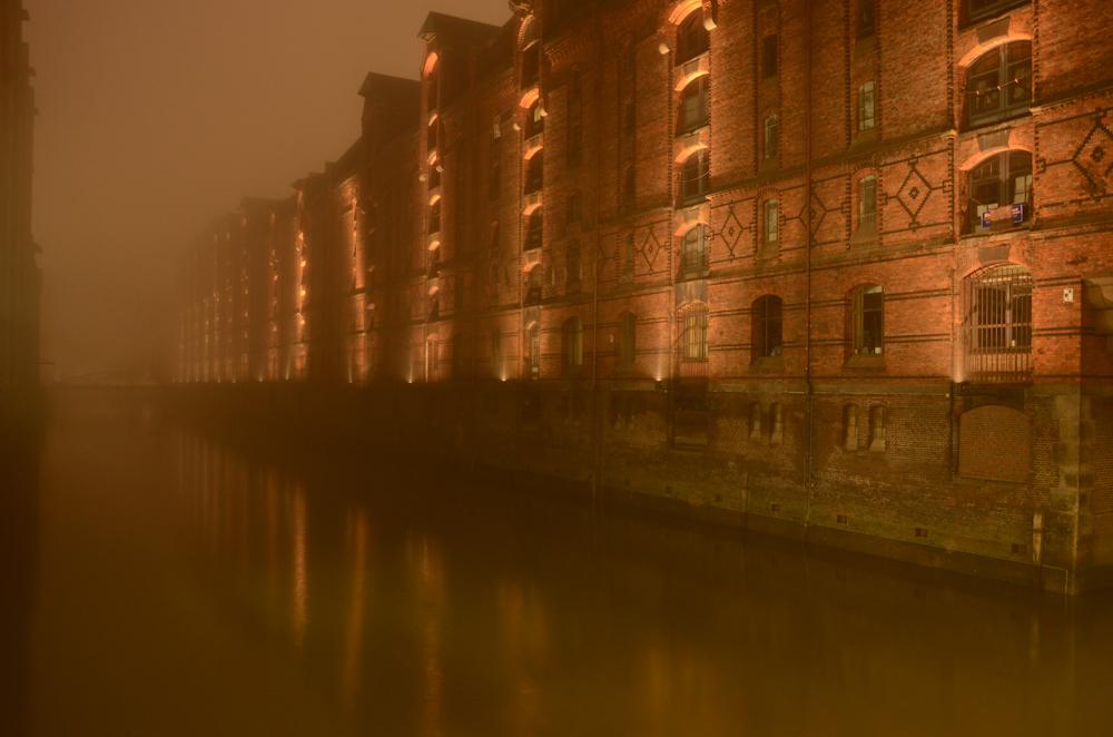Speicherstadt nebulös.