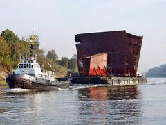 Spezialtransport auf dem Nord-Ostsee-Kanal