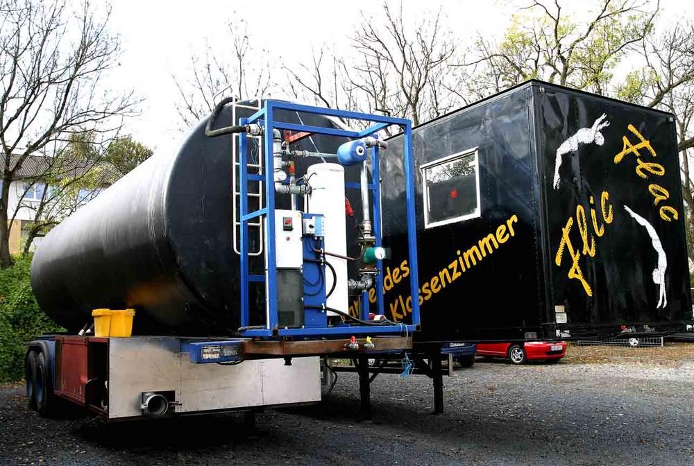Spez.Tankwagen zur Heißwasser Aufbereitung für das Ende des Wasserfinales bei Flic Flac.